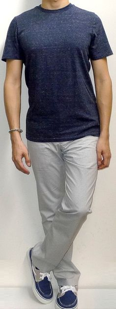 navy-crew-neck-t-shirt-white-pants-navy-canvas-shoes.jpg (300×800)