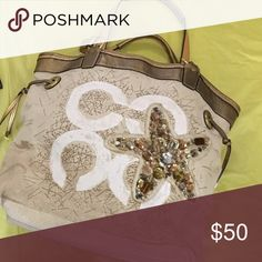 Coach Bag In good condition ! Great for the summer Coach Bags Shoulder Bags