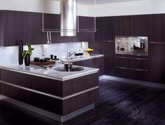 Картинки по запросу кухня темный пол