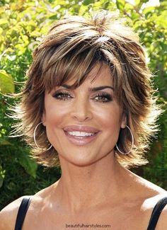 lisa rinna hairstyle pictures | Found on kookhair.com