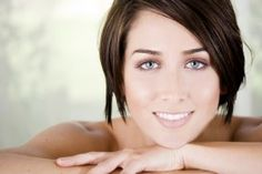 Buy almond oil as an inexpensive but effective treatment for under eye bags and dark circles. Organic almond oil is a rich source of vitamin E and is great for skin on the face and elsewhere. Almond Oil Uses, Age Spots On Face, Acne Oil, Dark Circles Under Eyes, Under Eye Bags, Puffy Eyes, Skin Treatments, Beauty Hacks, Beauty Tips