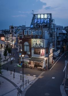 kkworks urban_photography night street_photography buildings tokyo japan 2016