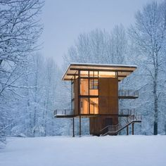 Love the Methow Valley and Tom Kundig's vision for a cabin. That said, I like cabins that are right on the ground.