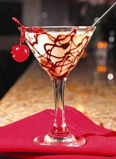 Holiday Spirits - Local cocktail bars offer up mixed drinks with seasonal twists Yummy Drinks, Cold Drinks, Beverages, Martini Bar, Martinis, Hot Toddy, Irish Coffee, Good Food, Fun Food