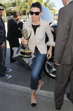 Pin for Later: Julianna Margulies Shows Us How to Travel With an Emmy