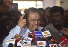 என் உயிருக்கு ஆபத்து: ராம மோகன் பேட்டி http://www.dinamalar.com/news_detail.asp?id=1678171
