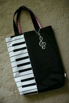 My wifes handmade bag for piano lessons.-My wifes handmade bag for piano lessons. My wifes handmade bag for piano lessons. Sacs Tote Bags, Music Gifts, Fabric Bags, Piano Lessons, Music Lessons, Cloth Bags, Handmade Bags, Handmade Handbags, Diy Bags