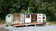 Adeptes des hôtels quatre étoiles ou des grandes maisons en bord de mer louées sur Airbnb, vous vous êtes toujours dit que le camping ce n'était vr...