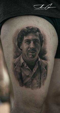 Slobodan pepic / pablo escobar Pablo Emilio Escobar, Pablo Escobar Death, Finger Tattoos, 13 Tattoos, Hand Tattoos, Sleeve Tattoos, Tatoos, Tatoo Designs, Owl Tattoo Design