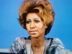 WEBSTA @ lolaschild - This vintage pic of the Queen makes me want to hit up my Dominican sisters in Brooklyn for a roller set. My color is already Retha ready. This pic remains glorious. Music Icon, Soul Music, Beautiful Black Women, Beautiful People, Amazing People, Vintage Black Glamour, Soul Funk, Aretha Franklin, African American Women
