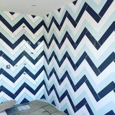Chevron love! #chevron#trendy#design#tile#tiledesign#custom#new#navy#white#blue#luxury#beautiful#purewhitedesign#lovewhatido by purewhitedesign