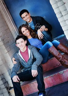 Lisa Smiley Photography -family poses; family photography