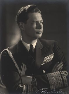 King Michael I of Romania, last monarch of Romania.His father is King Carol II and his paternal grandmother is Queen Marie, who used to be Princess Marie of Edinburgh. Thus, Michael is a great-great-grandson of Queen Victoria of Great Britain. Michael I Of Romania, Romanian Royal Family, Cultura General, Central And Eastern Europe, Today In History, Royal House, Royal Life, Queen Mary, Kaiser