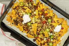 Nachos In Oven, Beef Nachos, Feta Dip, Sauerkraut, Mexican Food Recipes, Dinner Recipes, Ethnic Recipes, Easy To Make Dinners, Chili Lime