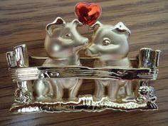 Vintage Signed Danecraft Brooch/Pin Goldtone Pigs in by JoJosJJs, £4.50