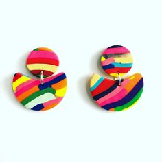 Rainbow Row Clay Drops by cbrdesign on Etsy Diy Jewellery, Jewelry Design, Unique Jewelry, Diy Earrings, Statement Earrings, Crayon Box, Vintage Inspired Fashion, Handmade Items, Handmade Gifts