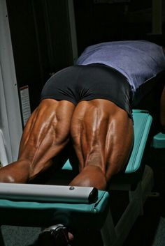 Hamstrings: The Top 5 Hamstrings-Training Mistakes And How To Correct Them Leg Day Workouts, Fit Board Workouts, Bodybuilding Workouts, Bodybuilding Motivation, Bodybuilder, Weight Routine, Post Workout Drink, Muscular Development, Muscular Legs