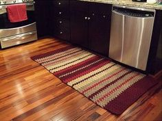 tapetes de crochê retangular na cozinha