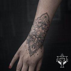 Mándala tatuada en 3 horas #ovlactattoo #mandalatattoo #tattoo #blackworktattoo Tattoos, Instagram Posts, Mandalas, Tatuajes, Tattoo, Tattos, Tattoo Designs