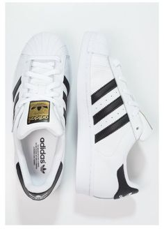 I want these shoes so bad but they're out of stock like everywhere :((
