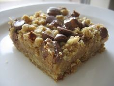 Peanut Butter Oatmeal Dream Bars...I think i need to make these right now...  even tho I just took a cake out of the oven...never too much of a good thing