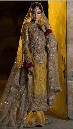 Bridal Mehndi Dresses, Indian Bridal Outfits, Pakistani Wedding Dresses, Pakistani Outfits, Pakistani Bridal Couture, Dulhan Dress, Mehndi Outfit, Desi Clothes, Indian Designer Wear