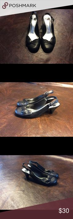 GIANNI BINI Heels sz 7 1/2  M Black slip on shoe with adjustable straps at the heels, leather upper, man made lining and sole, 2 1/2 inch heel. #1271 Gianni Bini Shoes Heels