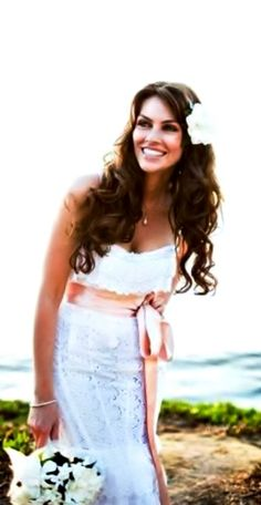 Beach bride's long beautiful curls down bridal hair Toni Kami Wedding Hairstyles ♥ ❷ Wedding hairstyle ideas Side flower