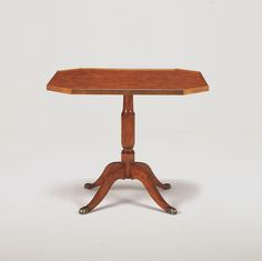 73014 // Decca // Traditional Collection // Side Table