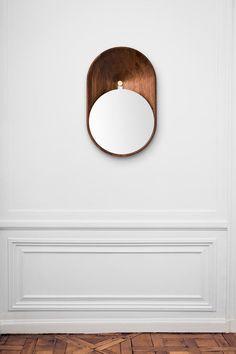 Mono mirror - by Gregoire de Lafforest