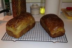Besides being delicious, this inherited recipe has carried warm memories across the generations. Bread Maker Recipes, Easy Bread Recipes, Banana Bread Recipes, Cooking Recipes, Yummy Recipes, Brown Bread Recipe, Wheat Bread Recipe, Molasses Bread, Newfoundland Recipes