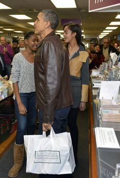 "Obama stuns bookstore shoppers / We have the coolest president! And we deserve him after 8 years of President Moron aka George ""Dubya"" Bush"