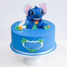 Bolo para festa no tema Lillo & Stitch da Birthday Party Desserts, Ballerina Birthday Parties, My Birthday Cake, Mickey Birthday, 1st Boy Birthday, Birthday Party Decorations, Birthday List, Birthday Ideas, Lilo And Stitch Cake