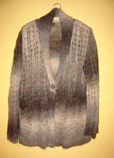 kuschlige Strickjacke mit Schalkragen, braun-grau, etwa 46