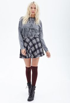 FOREVER 21 Love Hate Graphic Sweatshirt is on sale now for - 25 % ! is on sale now for - 25 % ! I think it will be great if only it is paired up with pair of black ankle boots