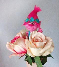 Вот такая #розочка у меня получилась :)   #ВашВаляш #тролли #trolls #валяние #felting #handmade #валянаяигрушка #ручнаяработа #сувенир #игрушка