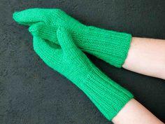 Lapanen kiilapeukalolla High Socks, Fingerless Gloves, Arm Warmers, Mittens, Embroidery, Knitting, Crochet, Knits, Fashion