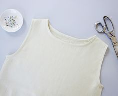 Sewing Glossary: How to Bind a Neckline With a Bias Band Tutorial