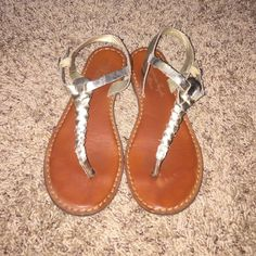 American Eagle Outfitters Gold Braided Sandals 7 These sandals are in good used condition. Slight fraying but have lots of life left in them. Very cute sandals! Listed for less with cheaper shipping on Merc. American Eagle Outfitters Shoes
