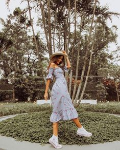 20 Styles of dress to look trendy this summer 2018 Outfits for summer. casual and cool outfits. Mode Outfits, Trendy Outfits, Mode Hippie, Mode Ootd, Outfit Goals, Summer Looks, Spring Outfits, Holiday Outfits, Spring Dresses
