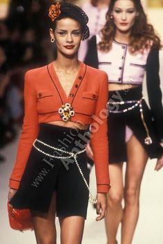 2718f0892c Chanel Fashion Show 90s Chanel Fashion