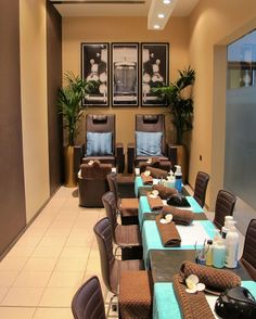 Salon interior design for small spaces awesome space spa beauty Home Nail Salon, Nail Salon Design, Nail Salon Decor, Hair Salon Interior, Spa Interior, Beauty Salon Decor, Salon Interior Design, Salon Nails, Manicure Station