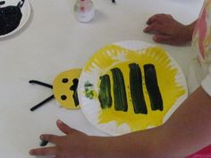 paper plate bumble bee :)