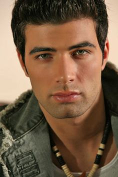 What is there to describe...Jencarlos Canela = Fine   haha