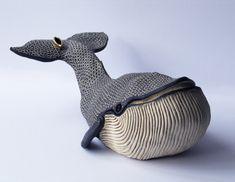Blue Whale – 150 x 130 x 140 mm Sculptures Céramiques, Paper Mache Sculpture, Sculpture Art, Pottery Animals, Ceramic Animals, Pottery Pots, Ceramic Pottery, Clay Fish, Clay Art Projects