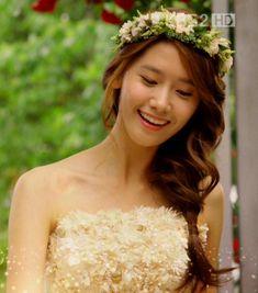 Yoona @ Love Rain Wedding Ending