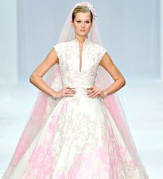 pinks wedding dress. Live the white and pink !!! | Ideas for When ...