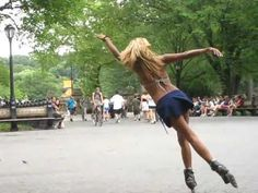 central park inline skater rihanna_only girl in the world. Quad Roller Skates, Roller Derby, Roller Skating, New Skate, Skate Park, Rollerblading Workout, Skater Girls, Only Girl, Sport Girl