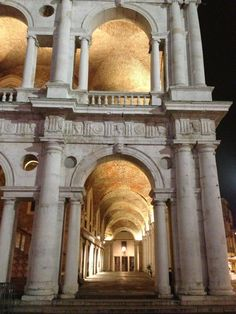 Basilica di Andrea Palladio, Vicenza, Italy (via Vicenza)...How were we lucky enough to live in this town 7 years!!!