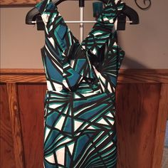 Geometric design dress BR geometric design shift dress with ruffle accents on neckline Banana Republic Dresses